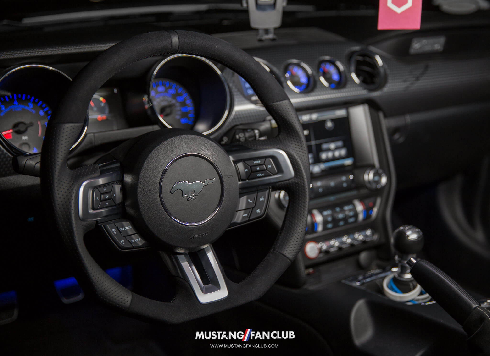 Steering wheel options for your S550 Mustang!