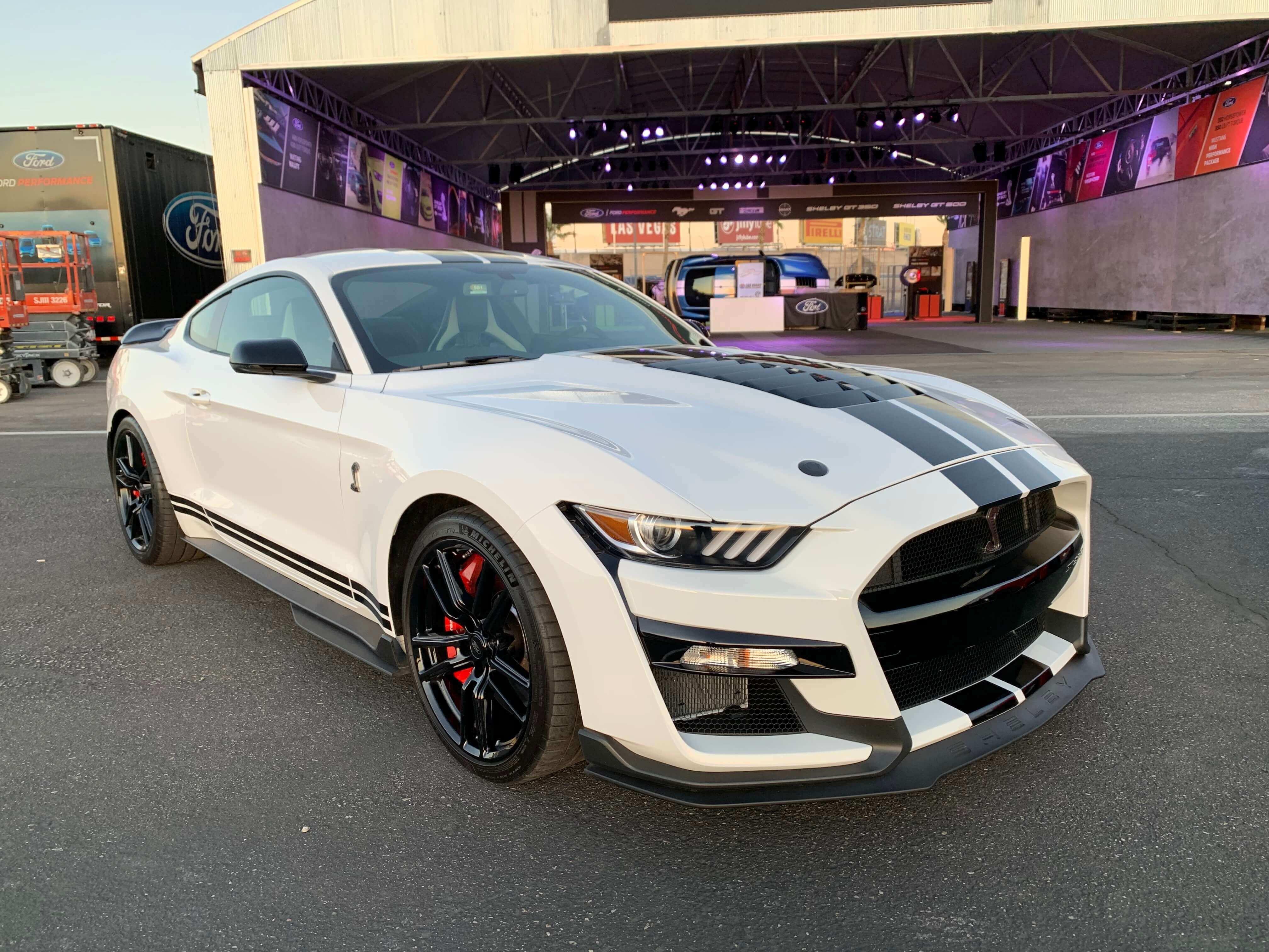 2020 GT500 Oxford White