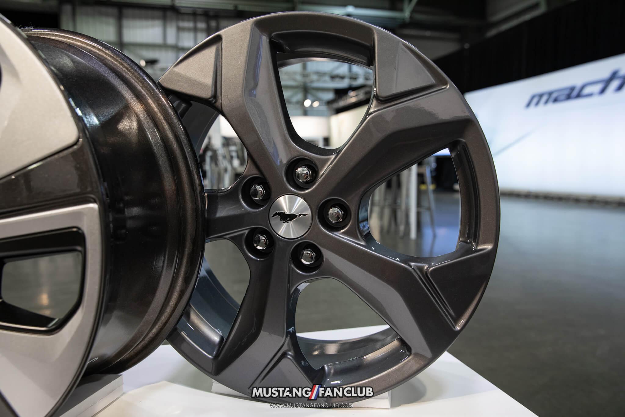 "18"" Carbonized Gray Aluminum Wheels"