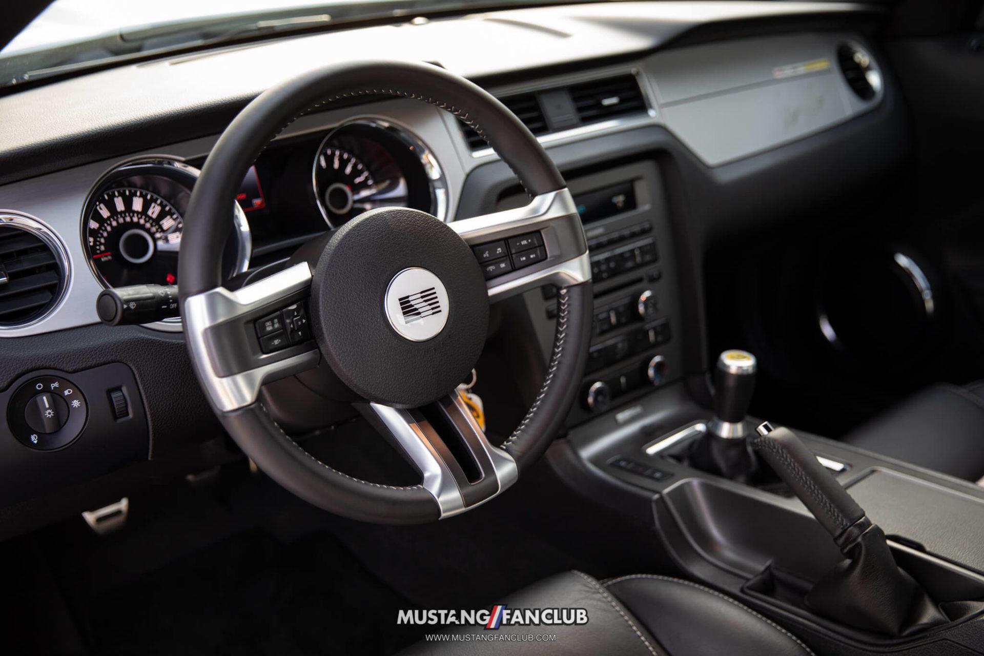 Saleen SA30 Mustang Interior